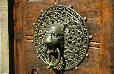 Lion head door handle